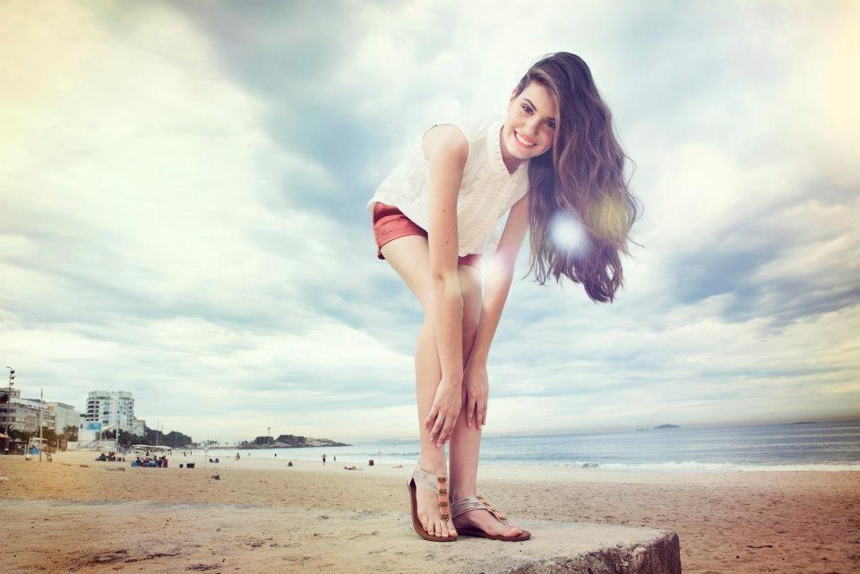 Camila Queiroz 11.jpg