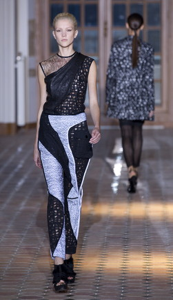 Desfile Luís Buchinho no Paris Fashion Week