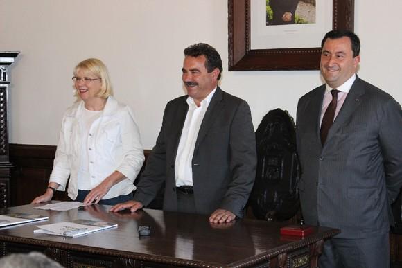 Assinatura de Protocolo com Câmara do Comércio F