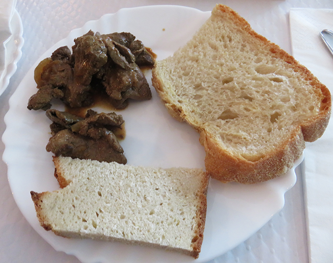 pão com iscas